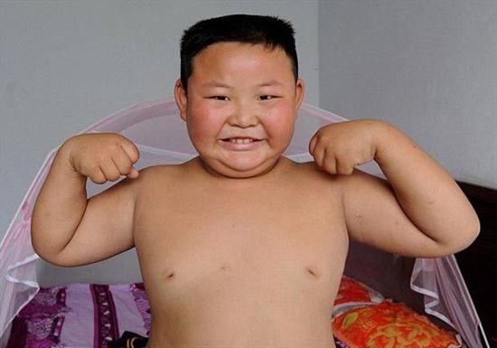 قدرت پسر هفت ساله چینی,بدنسازی,