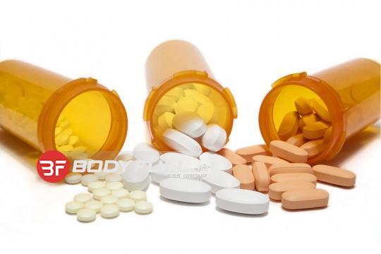 مسمومیت در پی مصرف ویتامینها