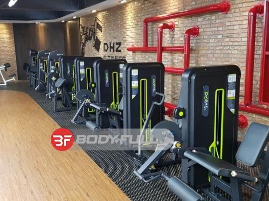 باشگاه بدنسازی دستگاه dhz