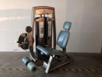 باشگاه تجهیز شده با دستگاه بدنسازی پالس pulse