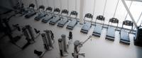 باشگاه مجهز شده با دستگاه بدنسازی فری موشن freemotion