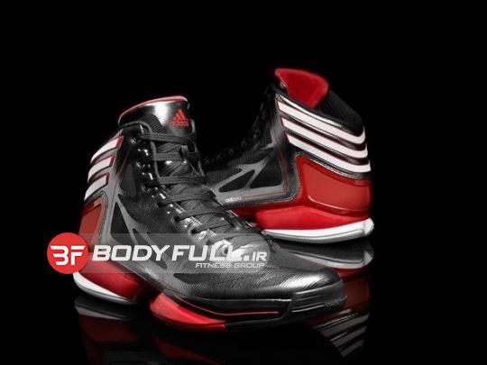 از کفش های مخصوص بسکتبال استفاده کنید، تا از پیچ خوردن پاهایتان جلوگیری کنید.
